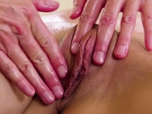 India Summer and Elsa Jean reach their best orgasm ever