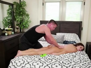 Sexy petite Zoe Bloom gives a massage and gets fucked