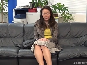 Horny Japanese MILF has a screaming orgasm on his fat cock