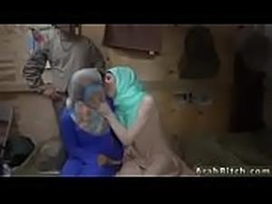 Arab Blowjob Amateur - Watch Her On WebcamFreeGirls.com